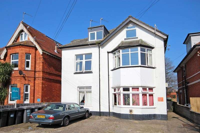 2 Bedrooms Flat for sale in Parkwood Road, Bournemouth