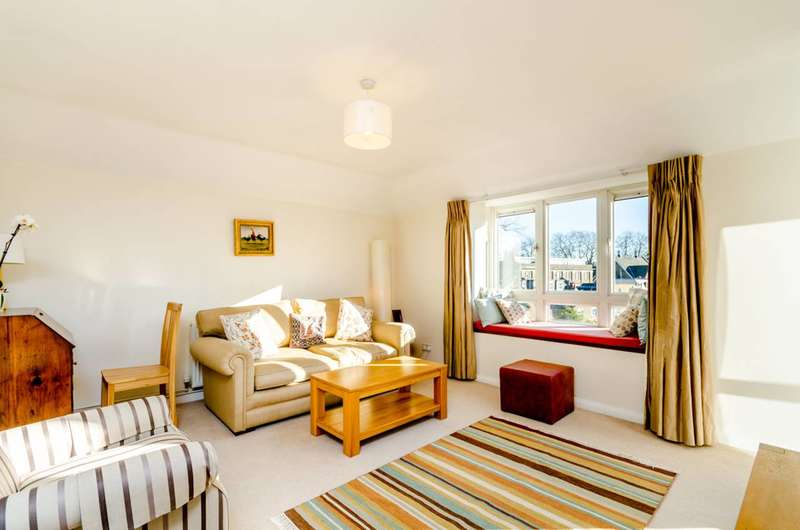 3 Bedrooms Flat for sale in Station Road, Barnes, SW13