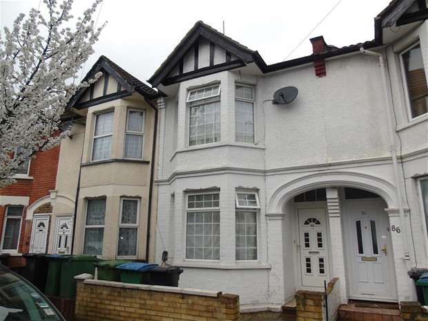 3 Bedrooms Terraced House for sale in Princes Avenue, Watford