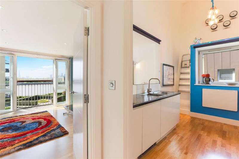 2 Bedrooms Apartment Flat for sale in Millennium Harbour, Westferry Road, E14