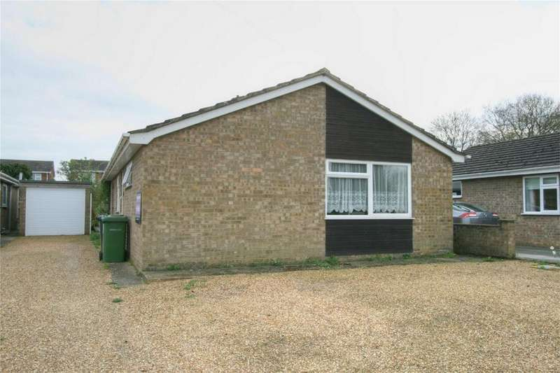 3 Bedrooms Detached Bungalow for sale in Atling Way, NR17 2NS, Attleborough, Norfolk