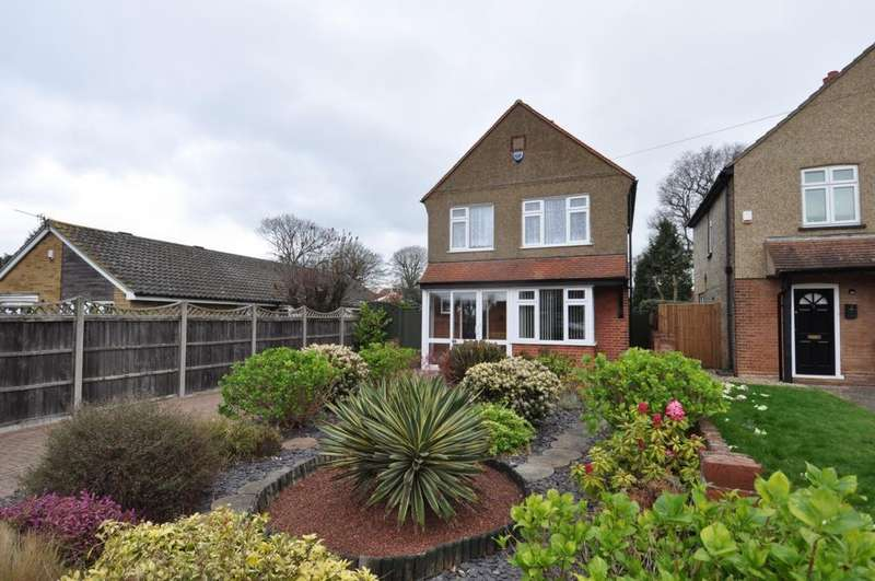 2 Bedrooms Detached House for sale in Maltings Lane, Epping, CM16