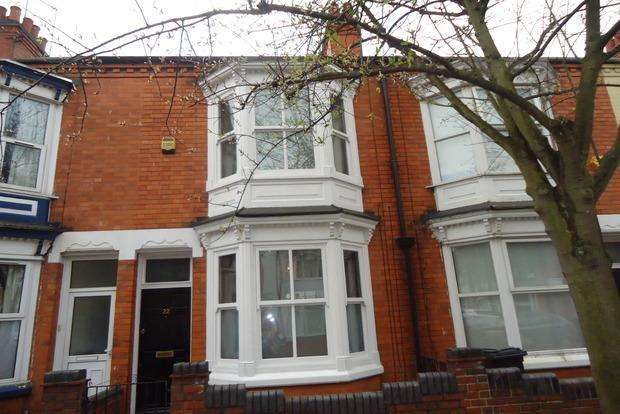 2 Bedrooms Terraced House for sale in Beaconsfield Road, Leicester, LE3