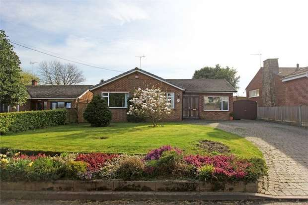 3 Bedrooms Detached Bungalow for sale in The Street, FRINSTED, SITTINGBOURNE, Kent