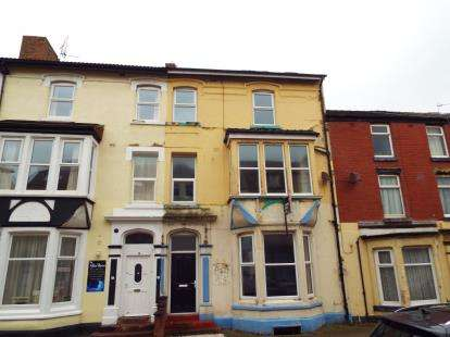 14 Bedrooms Terraced House for sale in Yorkshire Street, Blackpool, Lancashire, FY1