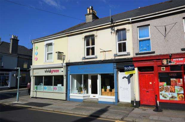 2 Bedrooms Flat for sale in Hyde Park Road, Plymouth, Devon