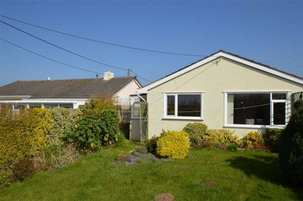 2 Bedrooms Bungalow for sale in Carneton Close, Crantock, Newquay, Cornwall