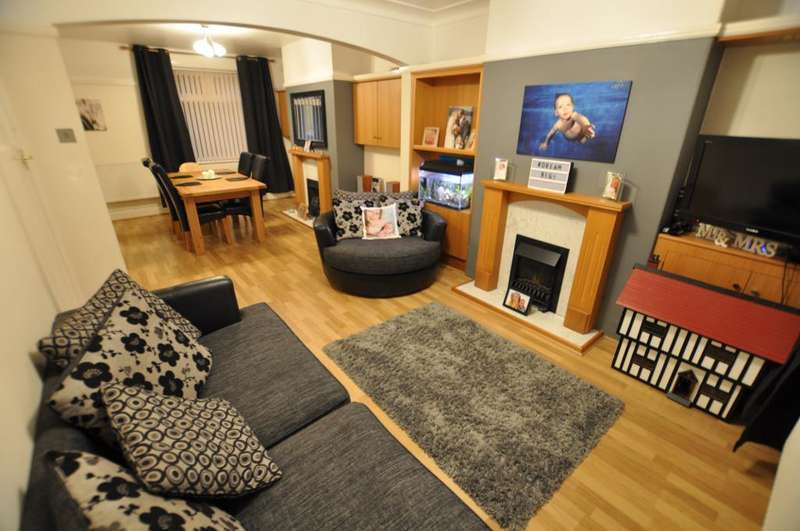 2 Bedrooms Terraced House for sale in Haig Avenue, Ashton, Preston, Lancashire, PR2 2BH