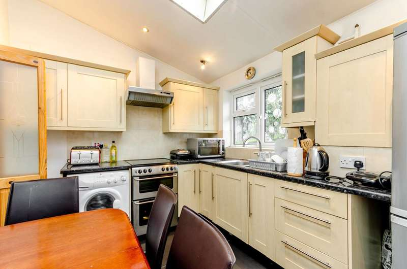 3 Bedrooms End Of Terrace House for sale in St Anns Hill, Wandsworth, SW18