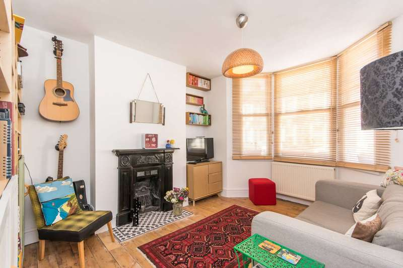 1 Bedroom Flat for sale in Sandringham Road, Willesden Green, NW2