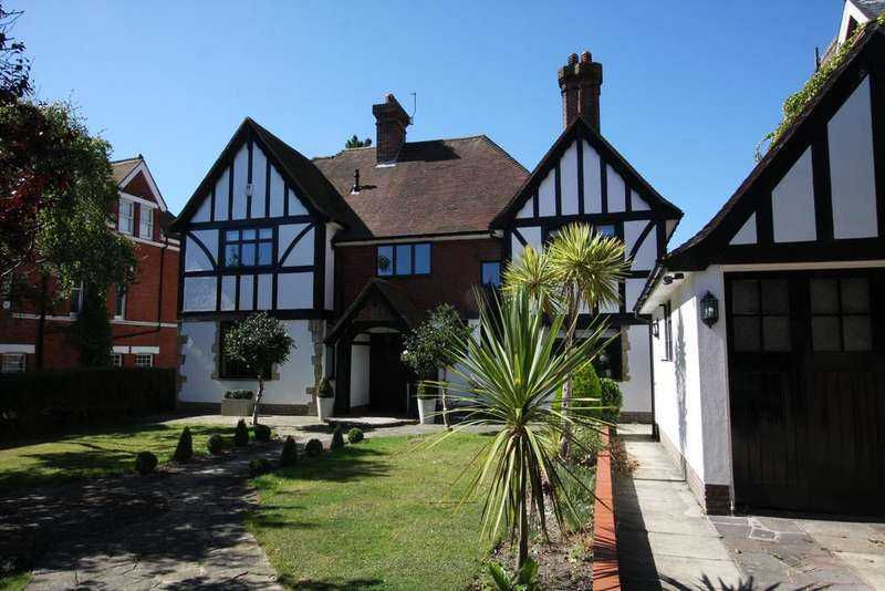 5 Bedrooms Detached House for sale in 9 Bolsover Road, Eastbourne BN20