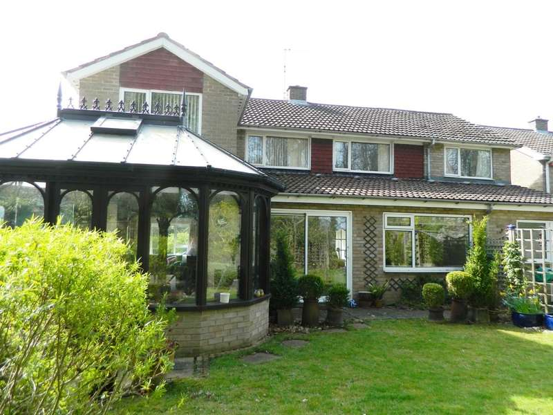 4 Bedrooms Detached House for sale in Rosedale Crescent , Guisborough