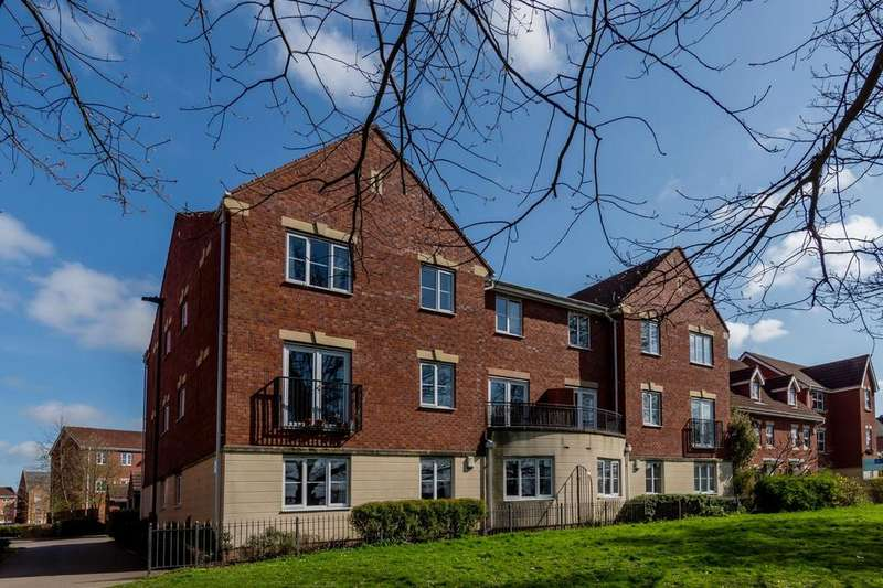 2 Bedrooms Flat for sale in President House, Boroughbridge Road, YORK
