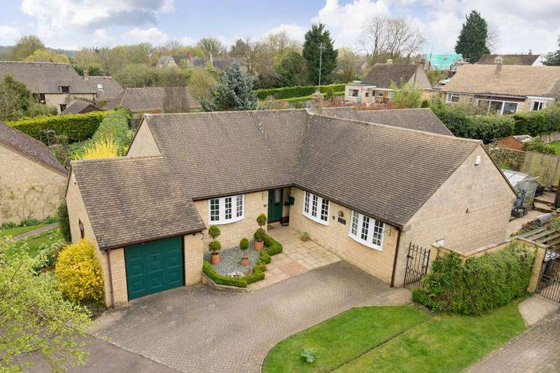 4 Bedrooms Detached Bungalow for sale in Mill Lane, Middle Barton, Chipping Norton