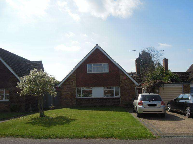 4 Bedrooms Detached House for sale in Halkingcroft, Langley.