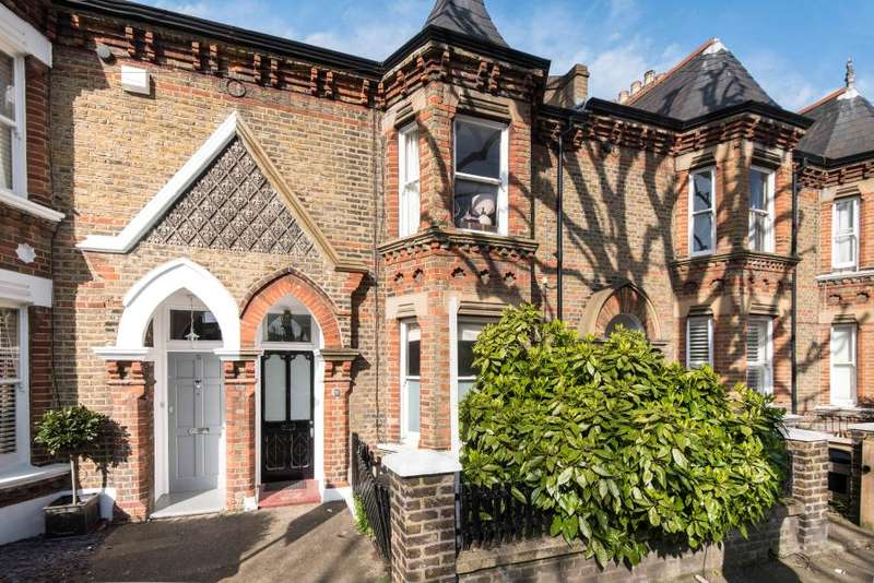 2 Bedrooms Flat for sale in Brassey Square, Battersea, SW11