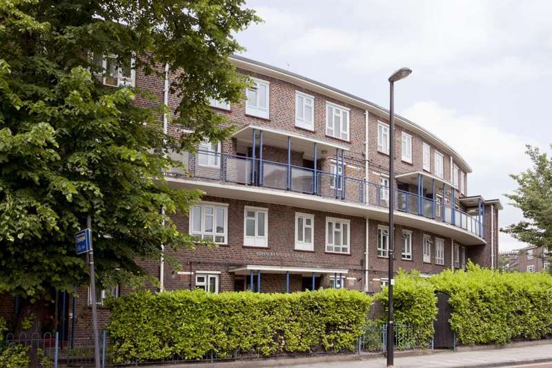 2 Bedrooms Maisonette Flat for sale in John Kennedy Court, Newington Green Road, N1