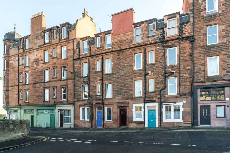 1 Bedroom Flat for sale in Hawthornvale, Newhaven, Edinburgh, EH6 4JQ