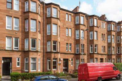 1 Bedroom Flat for sale in Kennoway Drive, Thornwood