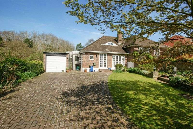 3 Bedrooms Semi Detached Bungalow for sale in Steyning Close, Kenley