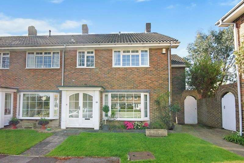 4 Bedrooms Terraced House for sale in Lodge Gardens, Alverstoke, PO12