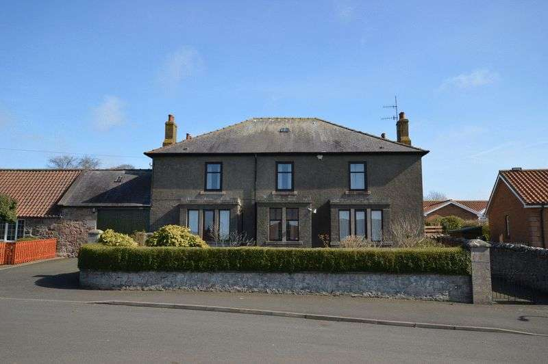 5 Bedrooms Detached House for sale in East Ord Farmhouse, East Ord, Berwick-Upon-Tweed