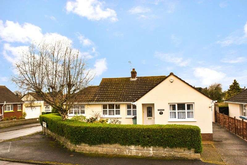 4 Bedrooms Detached Bungalow for sale in 4 Bedroom Detached Bungalow,Beechwood Avenue, Barnstaple