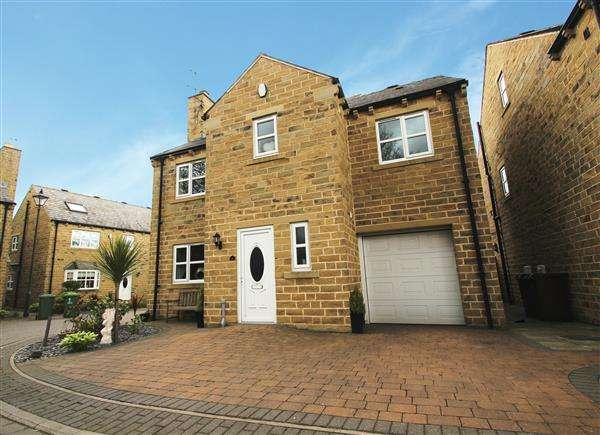 4 Bedrooms Detached House for sale in Church Forge, South Kirkby