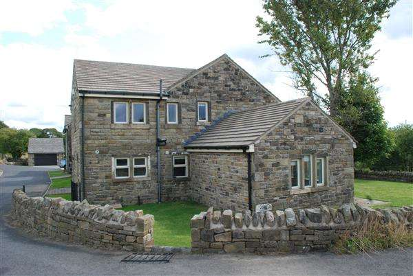 4 Bedrooms Detached House for rent in Stoney Heys Farm, Off Road Lane, Rochdale
