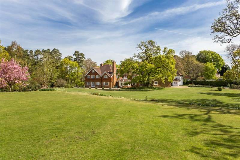 5 Bedrooms Detached House for sale in Jumps Road, Churt, Farnham, Surrey, GU10