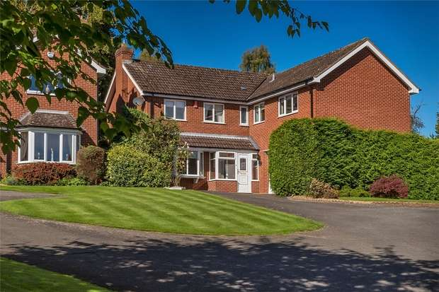 5 Bedrooms Detached House for sale in 40 The Hawthorns, Bridgnorth, Shropshire