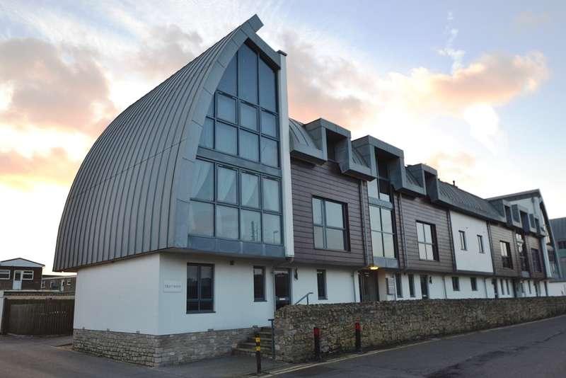 2 Bedrooms Flat for sale in Bridport