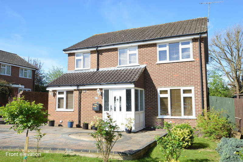 4 Bedrooms Detached House for sale in Beaumonts, Redhill
