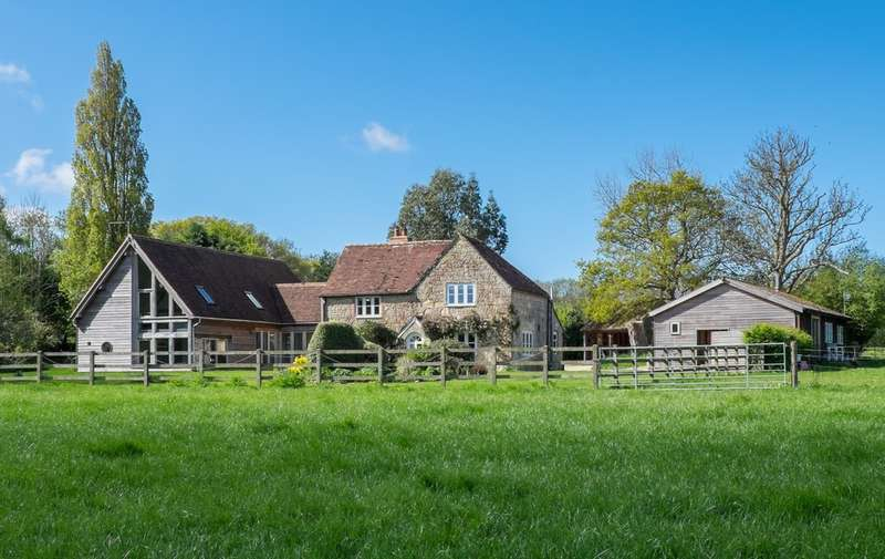 4 Bedrooms Detached House for sale in Near Porchfield, Isle of Wight