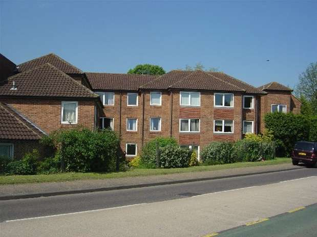 1 Bedroom Flat for sale in Homedell House, Roundwood Lane, Harpenden