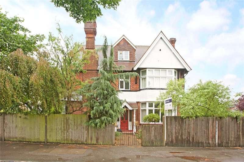 2 Bedrooms Flat for sale in Inniscrone House, 4 Queens Road, Berkshire, SL3