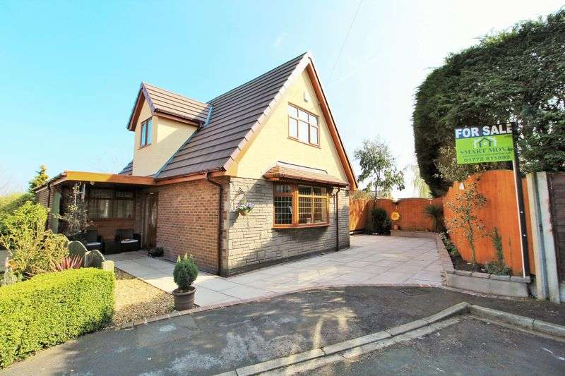 4 Bedrooms Detached House for sale in Mayo Drive, Tarleton, Preston