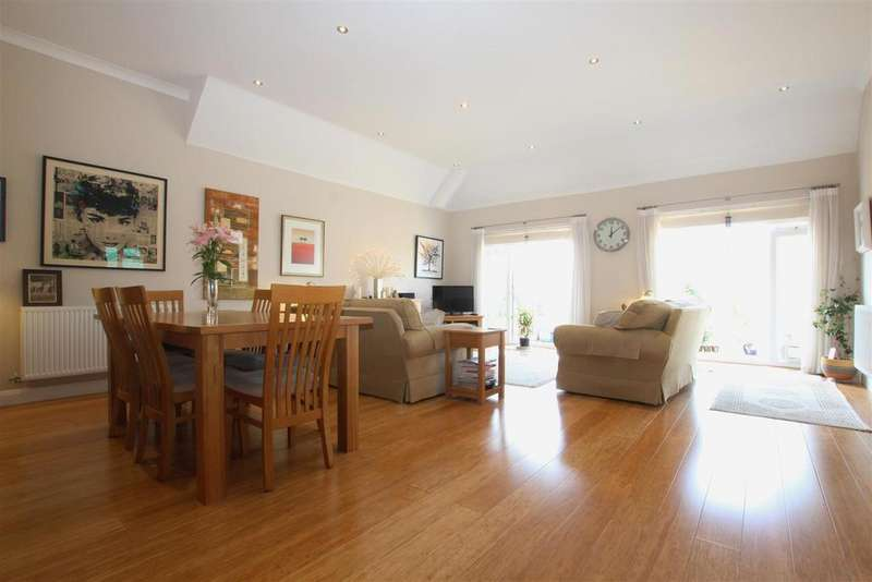 3 Bedrooms Detached Bungalow for sale in Whalesmead Road, Bishopstoke, Eastleigh