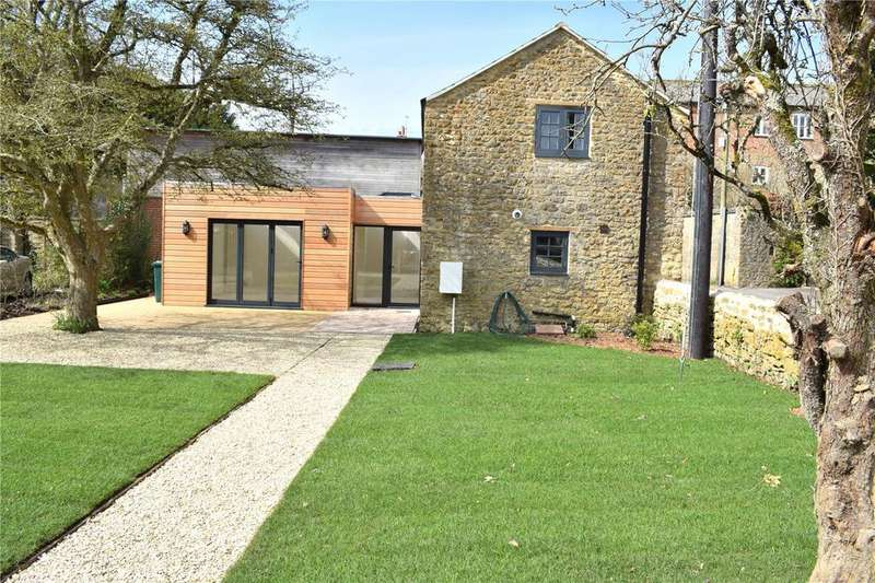 2 Bedrooms Detached House for sale in Whitcombe Road, Beaminster, Dorset