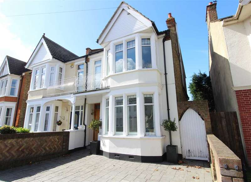 5 Bedrooms Semi Detached House for sale in Leigh-On-Sea
