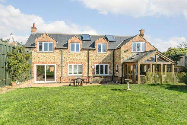 4 Bedrooms Detached House for sale in Bramley Cottage, High Street, Waltham on the Wolds, Melton Mowbray, LE14