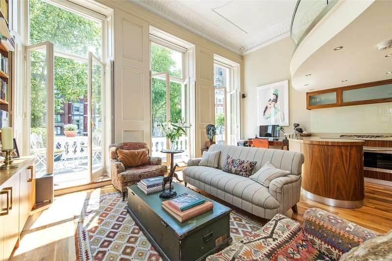2 Bedrooms Flat for sale in Emperor's Gate, London, SW7