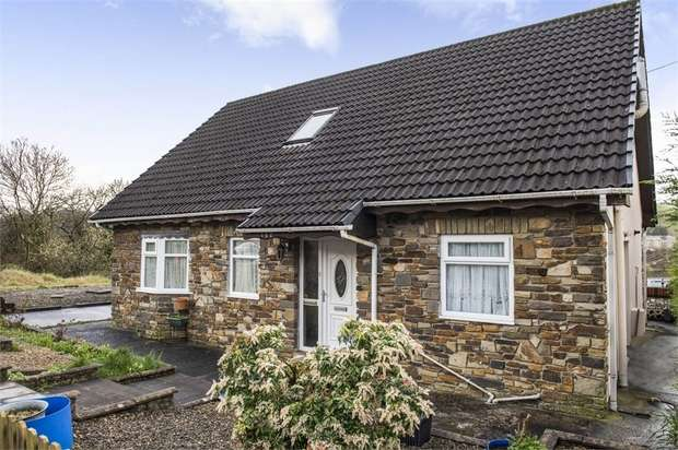 3 Bedrooms Detached Bungalow for sale in Mill View Estate, Maesteg, Mid Glamorgan