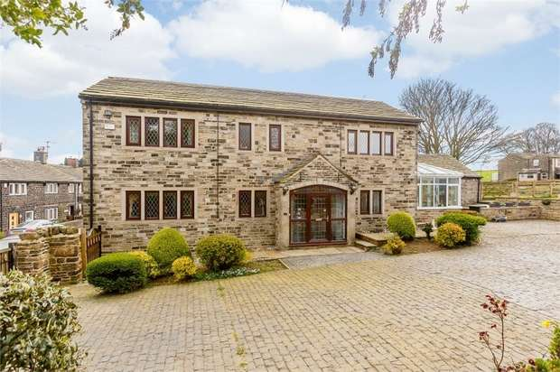 5 Bedrooms Detached House for sale in Hollin Hall Lane, Mirfield, West Yorkshire