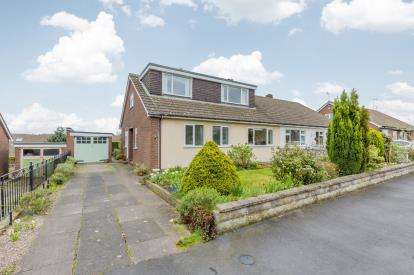 4 Bedrooms Bungalow for sale in Charles Cotton Drive, Madeley, Crewe, Staffordshire