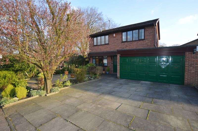 4 Bedrooms Detached House for sale in Hunstanton Drive, Bury