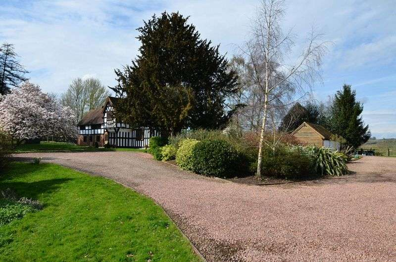6 Bedrooms Detached House for sale in Eastham, Teme Valley, Worcestershire