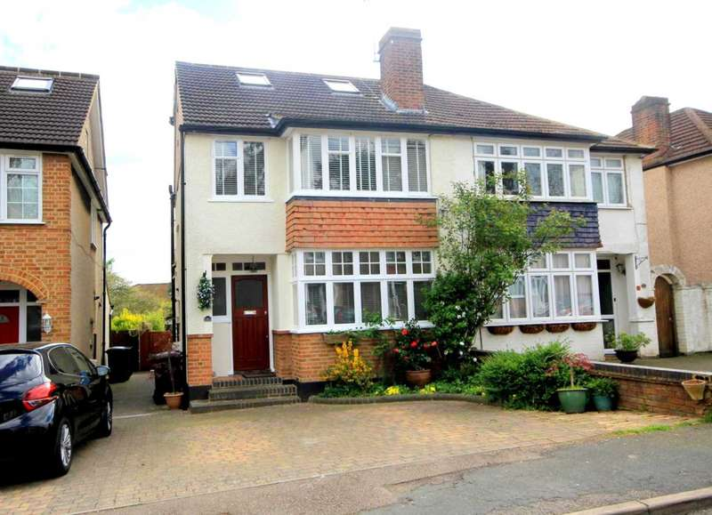 4 Bedrooms Semi Detached House for sale in 4 BED FAMILY HOME CUL DE SAC SITUATION IN Heath Close, Boxmoor