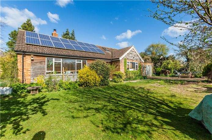 2 Bedrooms Bungalow for sale in Bar Lane, Stapleford, Cambridge