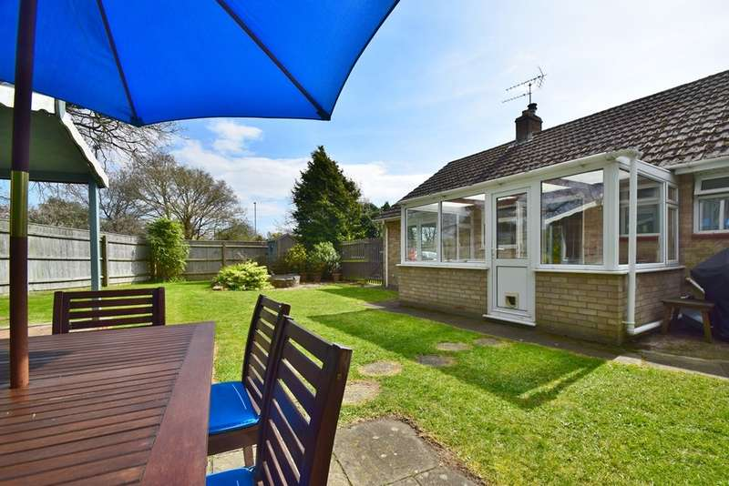 4 Bedrooms Detached Bungalow for sale in Northmoor